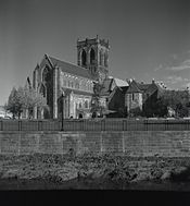 175px-Paisley_abbey