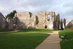 375px-Reading_Abbey_interior