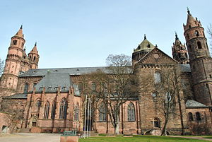 300px-St._Peter's_Cathedral_Worms_south_side
