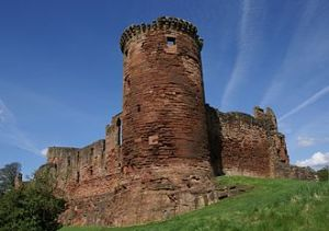 330px-Bothwell_Castle_20080505_-_south-east_tower