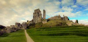 Corfe_Castle,_Dorset