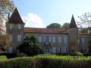 330px-chateau_de_castelmore_lupiac